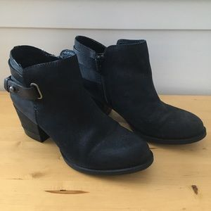 Black leather heal boots/Aldo booties,37 EU/6.5 US